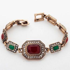 Jewelry - Classic vintage Golden Recina antique Bracelet